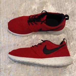 Custom Nike Rosche run speckled sole 6.5Y/8W
